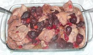 Курица с вином и фигами