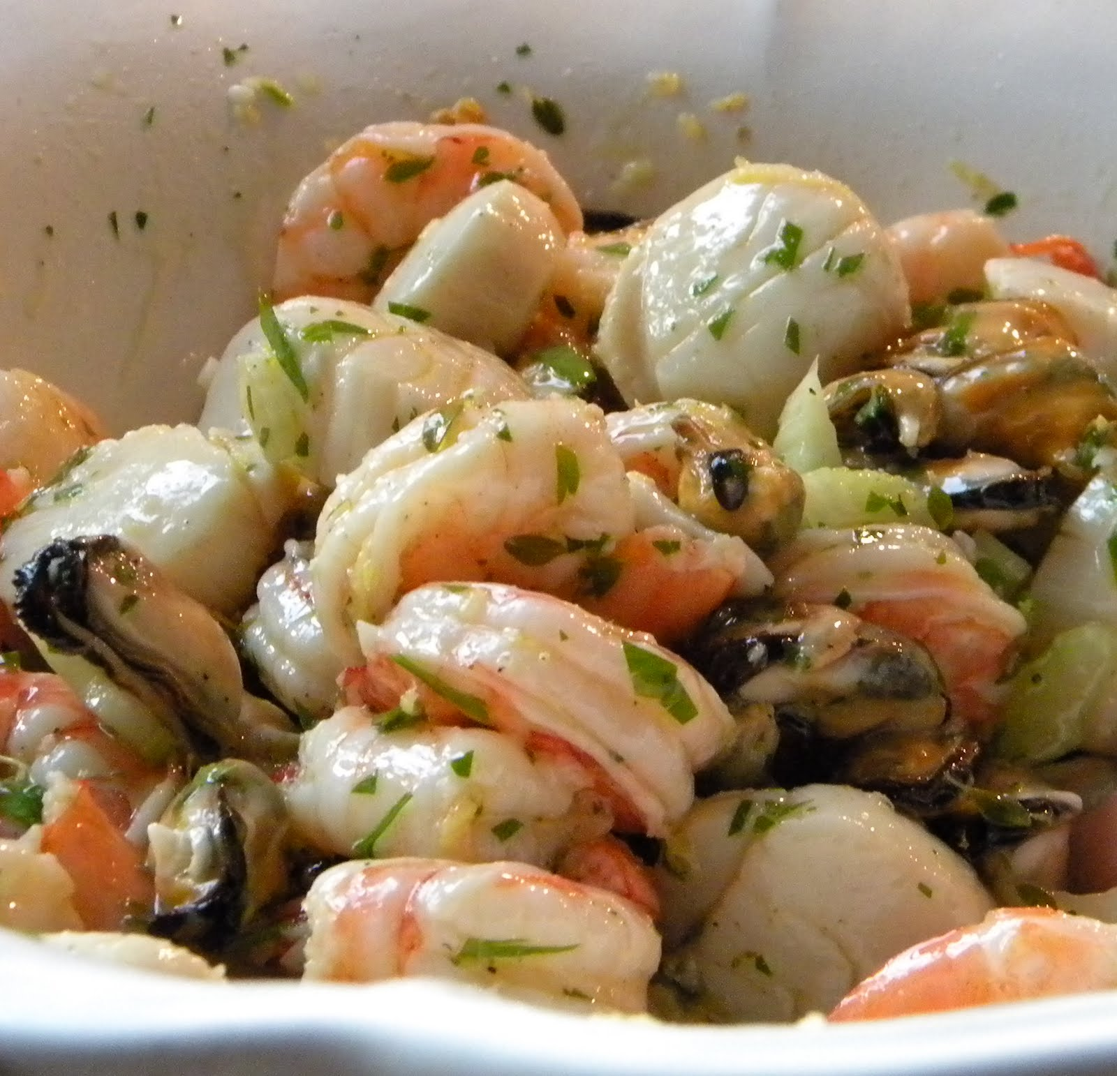 Салат из морепродуктов