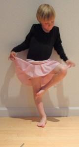 В образе балерины - Адам